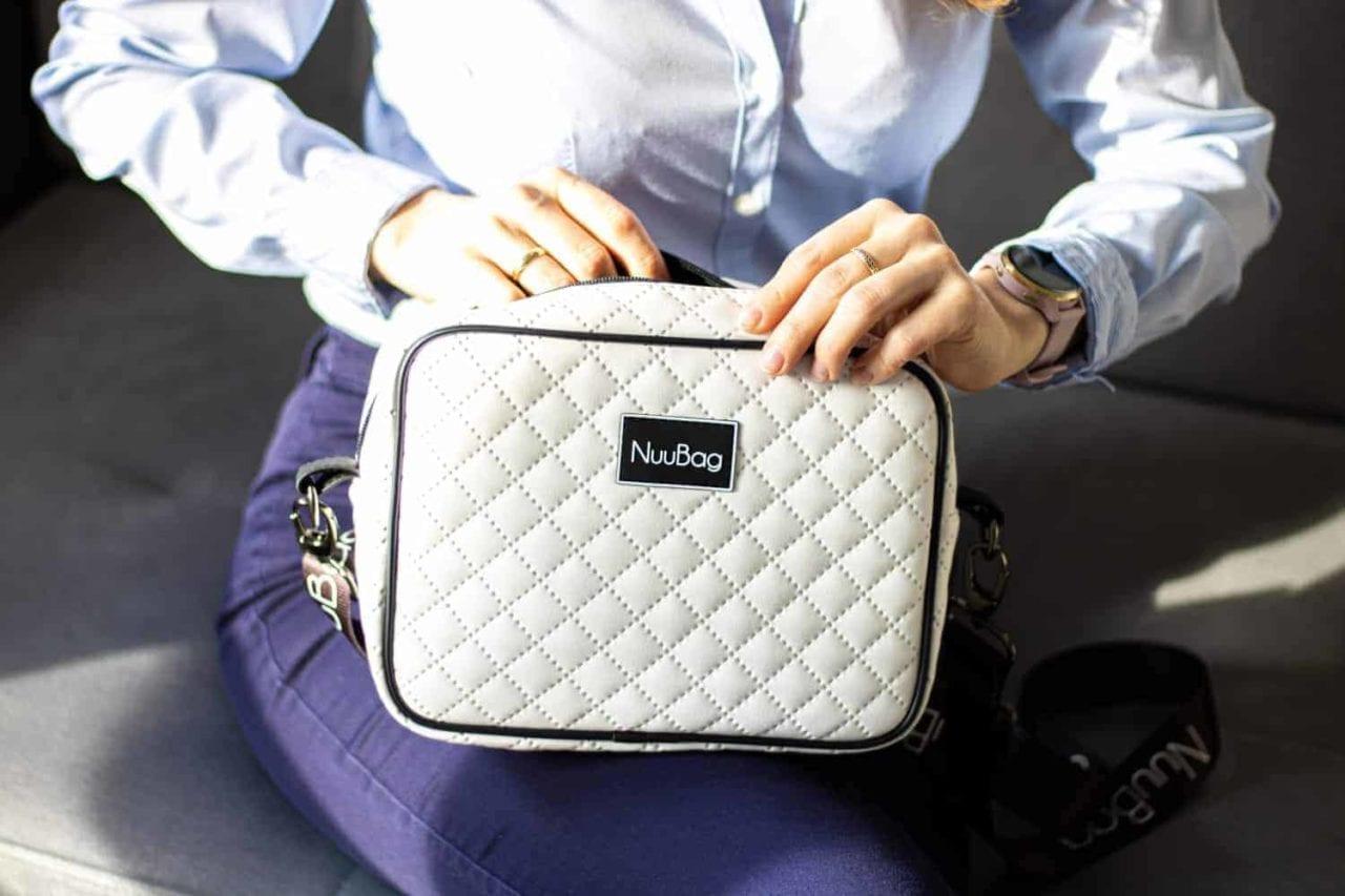 Biała torebka wykonana ręcznie w Polsce. Polski produkt