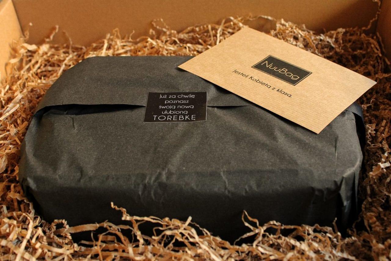 Torebka zapakowana na prezent