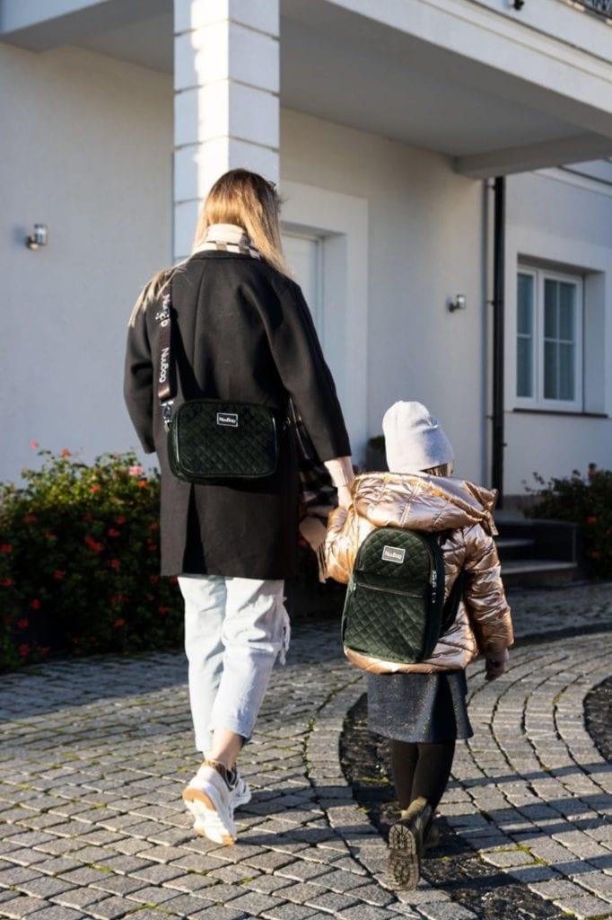 zielony plecak dla dzieci