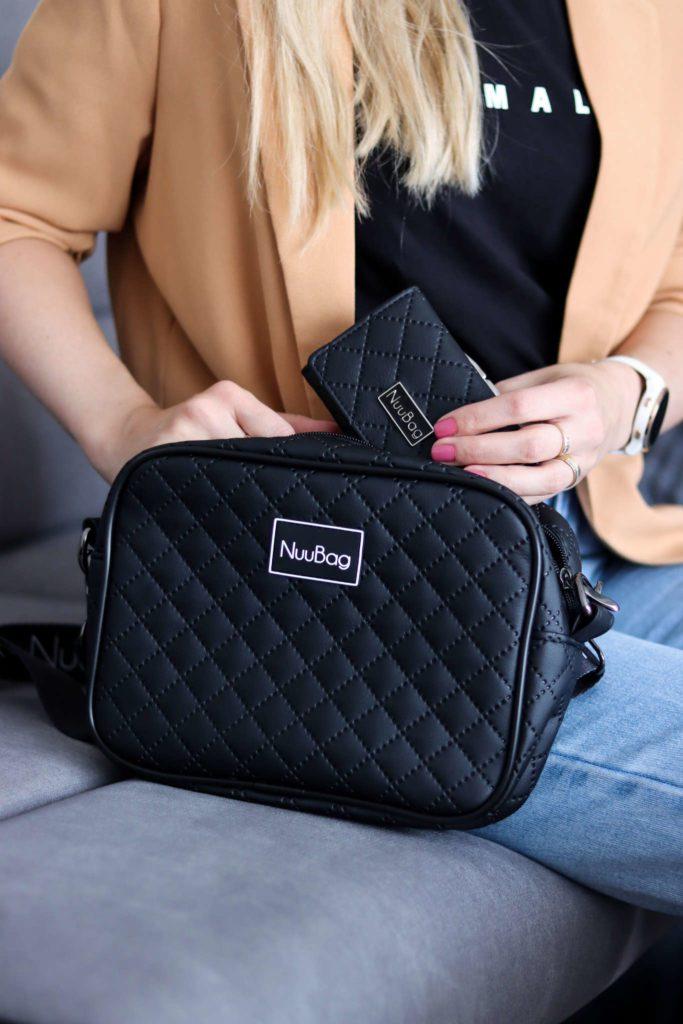 Mały czarny portfel damski. Zestaw z torebką